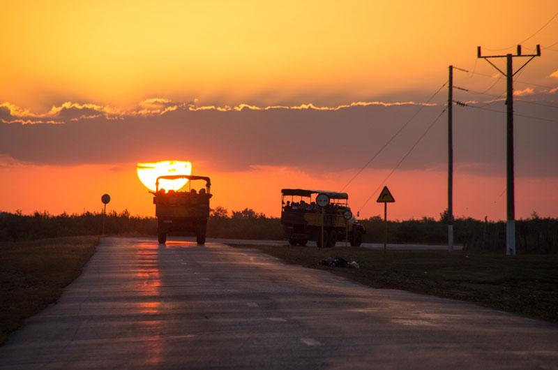 Maquinas-vor-Sonnenuntergang